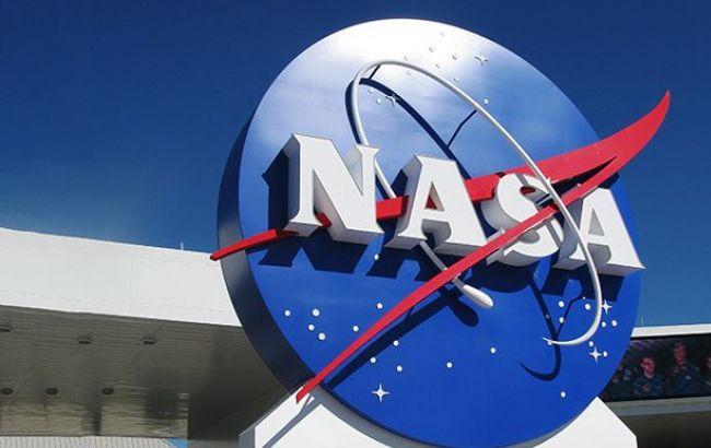 NASA попробует построить лунную базу из грибов