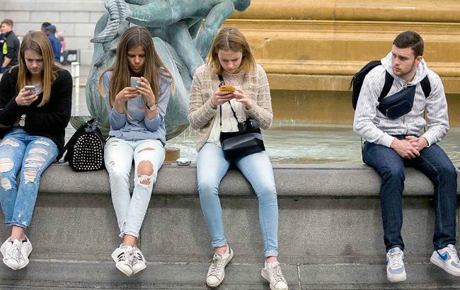 Фото: розвиток ринку онлайн-дейтингу по всьому світу (Corbis via Getty Images)