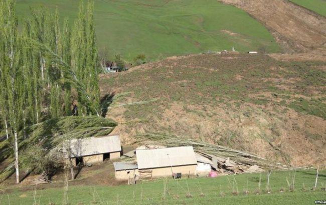 В Киргизии объявлен траур в связи с погибшими во время оползня