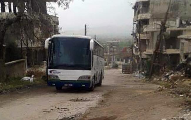 Количество погибших при взрыве возле автобуса с беженцами в Алеппо возросло до 39 человек
