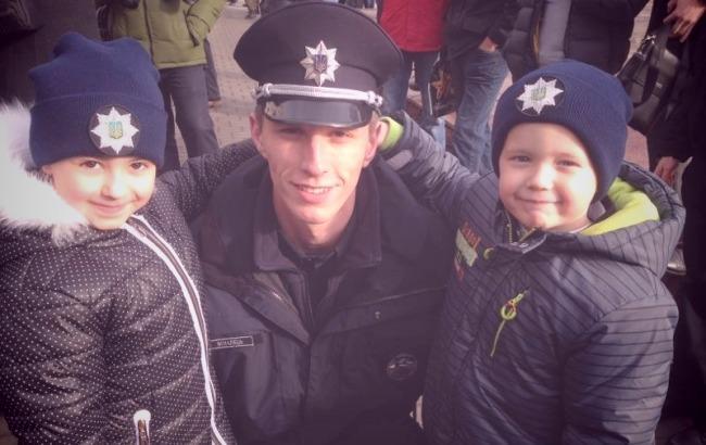 Фото: Українці довіряють поліції (censor.net.ua)