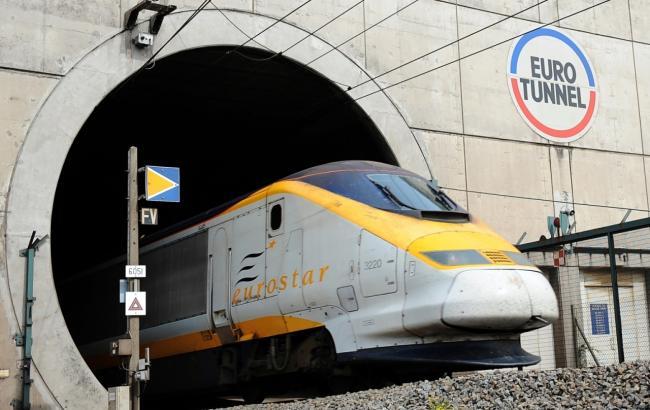 Движение поездов через Евротоннель приостановлено