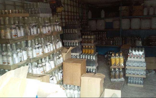 Фото: склад контрафактного алкоголю
