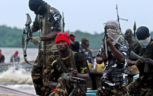 Сомалийские пираты захватили торговое судно впервый раз за 5 лет