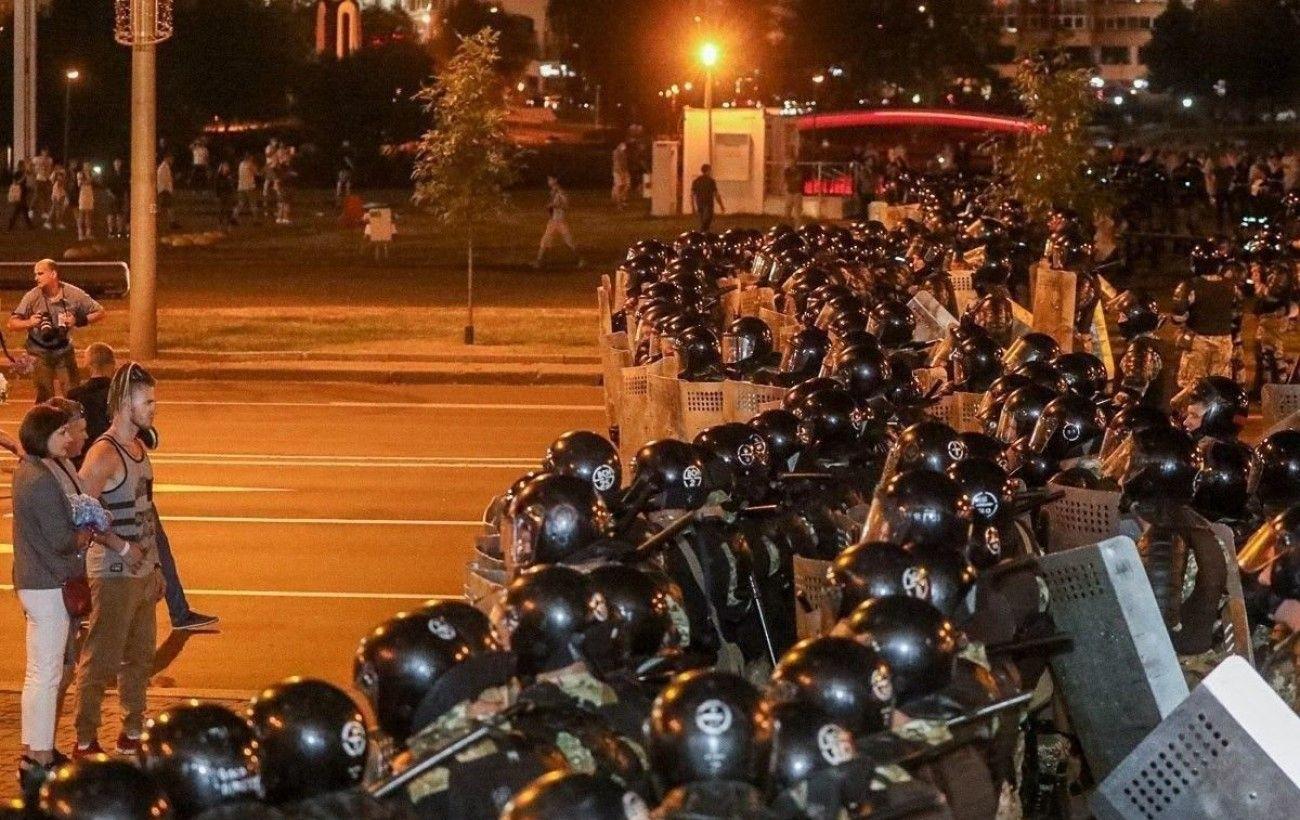 В Минске силовики открыли огонь по протестующим, есть раненые