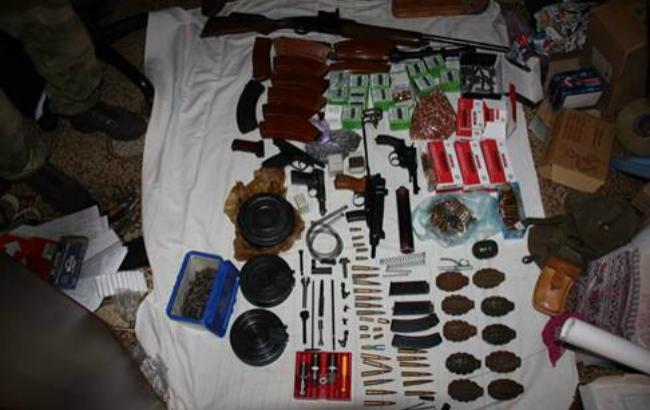 У Миколаєві затримано групу торговців зброєю із зони АТО, - СБУ