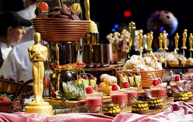 Фото: Праздничный стол на Оскаре