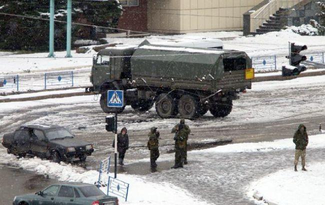 Фото: боевики в Луганске