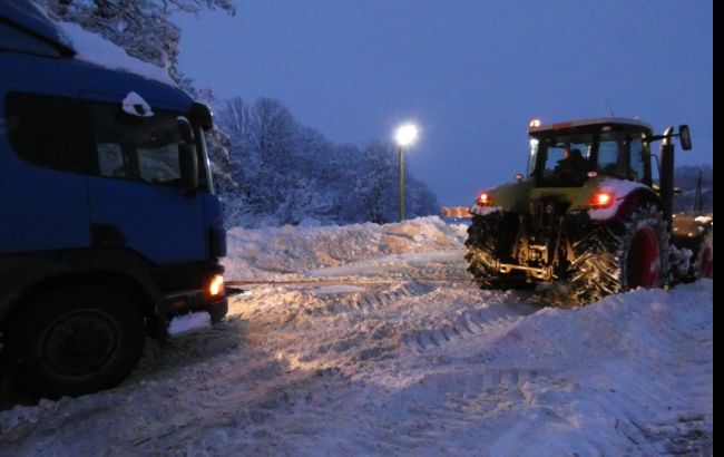 ВОдесской области без электроснабжения остаются 79 населенных пункта— Непогода вгосударстве Украина