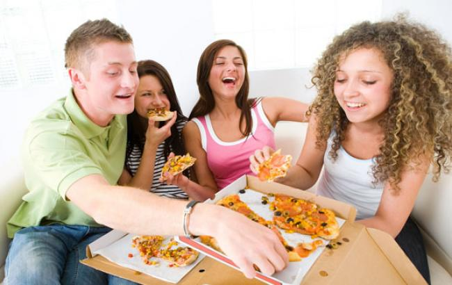 Фото: Пица в офіс не повинна бути правилом (facebook.com)