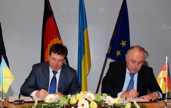 Україна і Німеччина підписали угоду про кредит на 500 млн євро для відновлення Донбасу