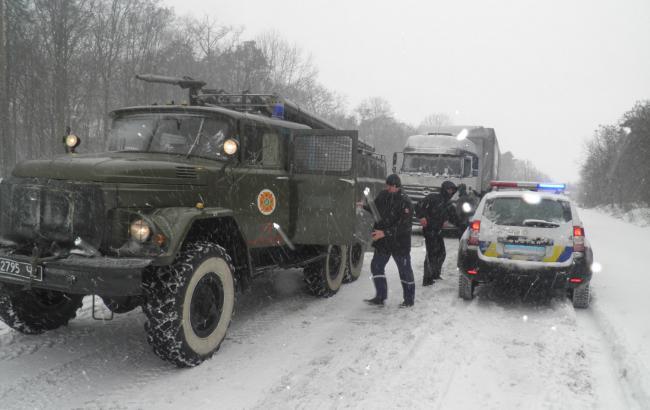 Фото: ликвидация последствий непогоды в Украине