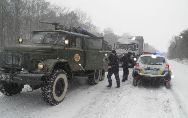 Фото: спецтехніка ДСНС України