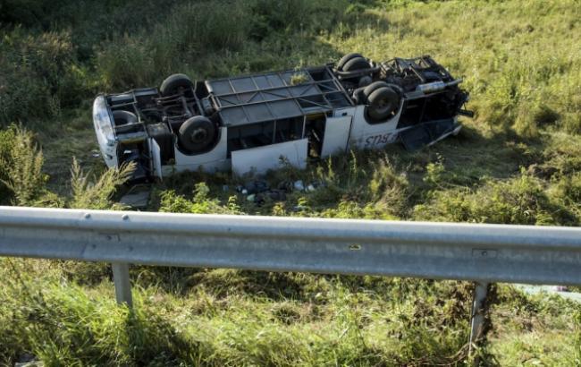 На півночі Угорщини в ДТП з українським автобусом постраждали 14 осіб