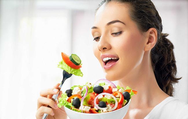 Не смій чіпати: продукти, які не можна їсти на голодний шлунок