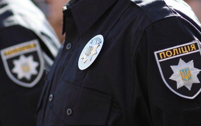 Фото: полиция принимает меры для установления личности преступников