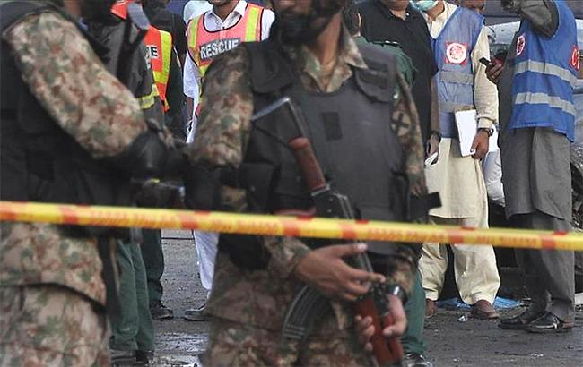 Фото: атака в городе Кветта (twitter.com/yenisafak)