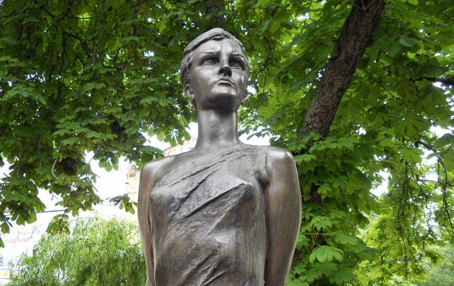 Фото: Так виглядав пам'ятник Космодем'янської (vkieve.net)