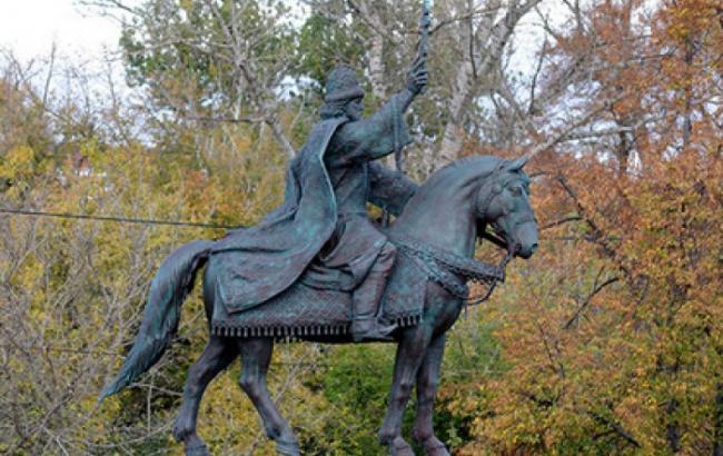Фото: Памятник Ивану Грозный (dosug.md)