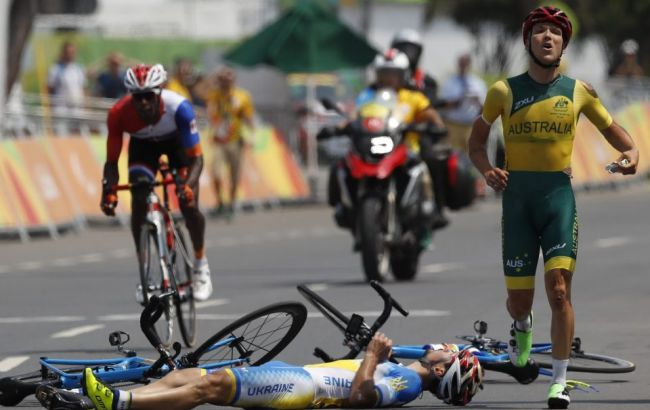 Фото: австралієць Алістер Донохью робить все можливе, щоб дістатися до фінішу
