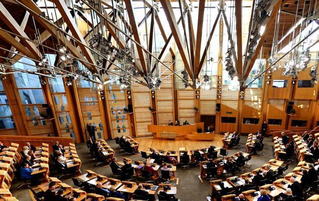 Фото: шотландський парламент (dw.com)