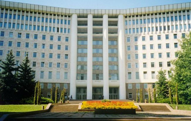 Молдова повысила статус русского языка. Чиновников обязали говорить по-русски