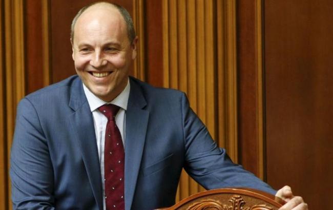Руководитель Верховной Рады потребовал отдепутатов выступать только наукраинском языке