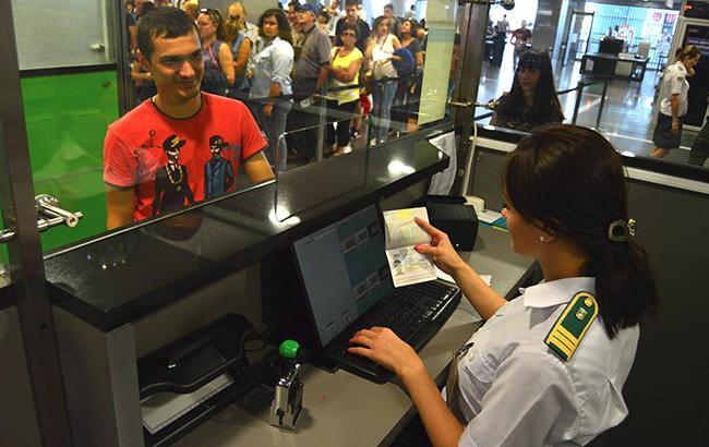 С 1 января 2018 года Украина будет готова осуществлять биометрический контроль только в пунктах пропуска на границе с РФ (Фото: facebook.com-DPSUkraine)