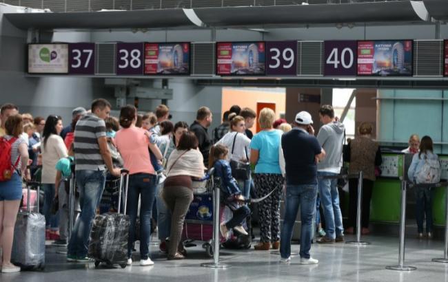 Фото: пасажироперевезення незначно збільшилися (УНІАН)