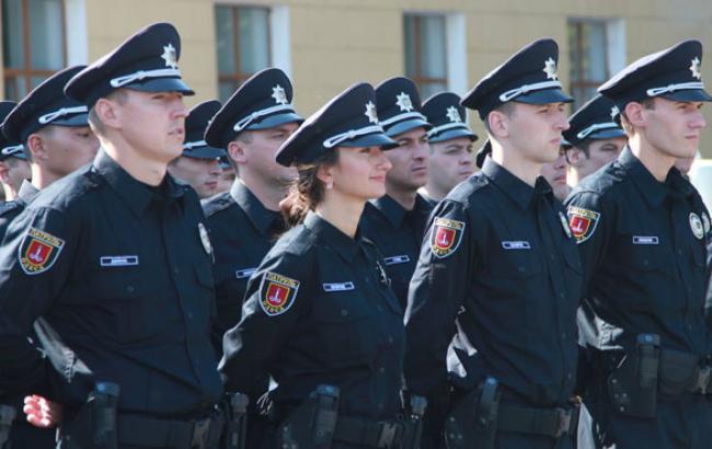 Фото: Патрульні приймають присягу (112.ua)