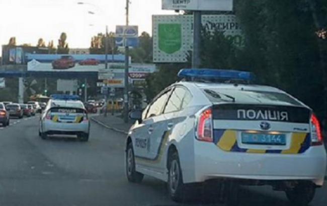Фото: Київські патрульні поспішають на виклик (unian.net)