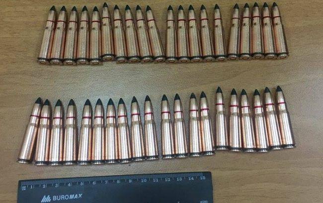 ВКиевской области задержаны полицейские засбыт огнестрельного оружия