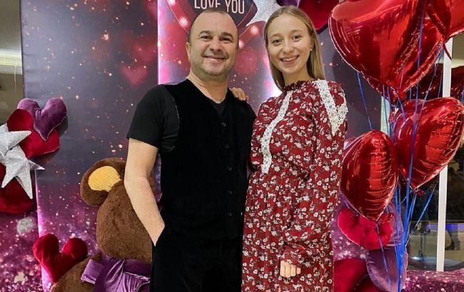 Виктор Павлик и его молодая жена отпраздновали первую годовщину свадьбы: фото счастливой пары