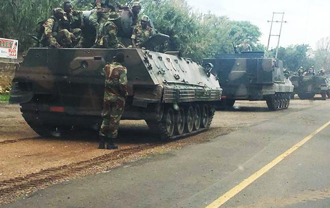 Фото: переворот в Зимбабве (Pchada101 twitter)