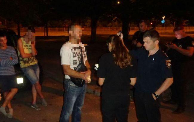 У центрі Києва словесна перепалка закінчилася стріляниною, є поранений