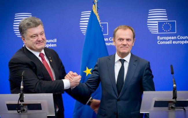 Фото: Порошенко и Туск обсудили безвизовый режим