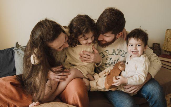 Украинцам рассказали, какая семья считается многодетной и назвали размер помощи