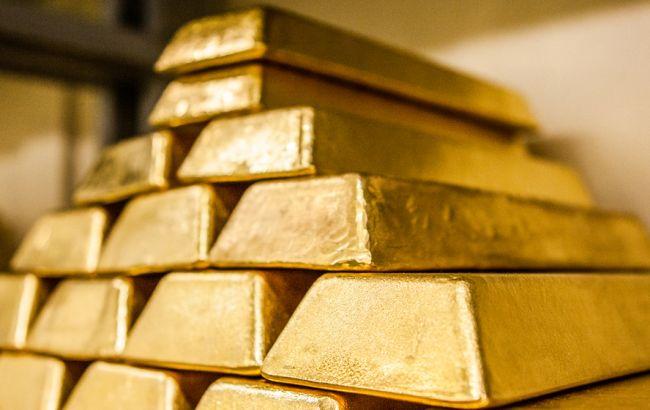 НБУ понизил курс золота