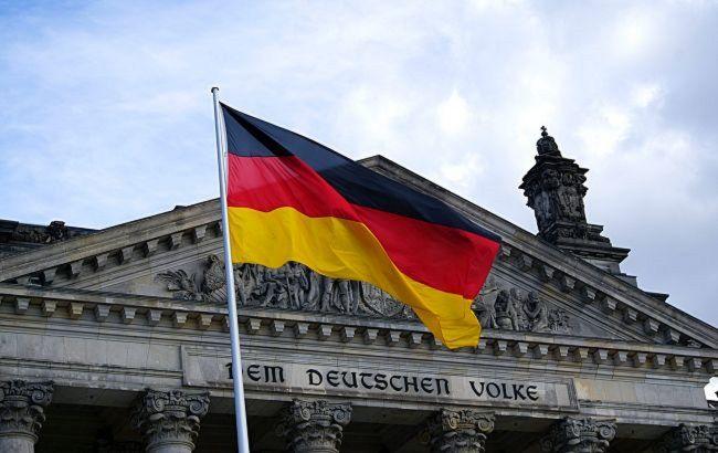 """У Німеччині ухвалили поправки, які запускають """"екстрене гальмування"""" при зростанні COVID-хворих"""