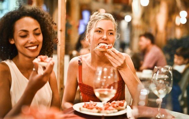 Причини харчових зривів і як з ними боротися: поради від дієтолога тим, що худнуть