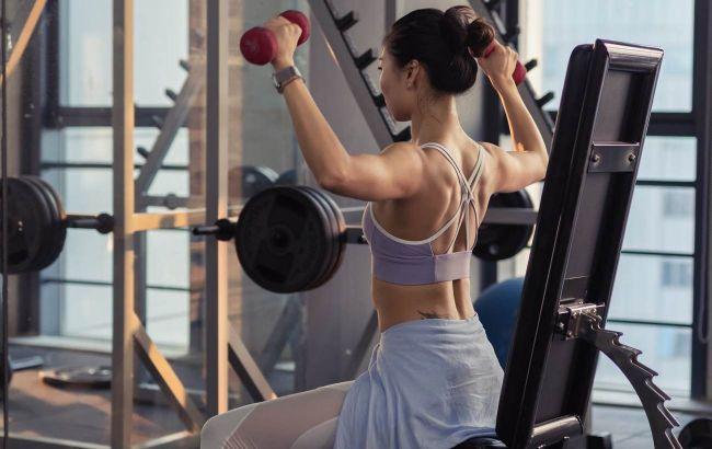 Забудьте про білковий коктейль: що з'їсти після силового тренування для рельєфу м'язів