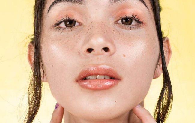 Аккуратнее с гиалуронкой: косметолог рассказала, что продлит молодость сухой коже