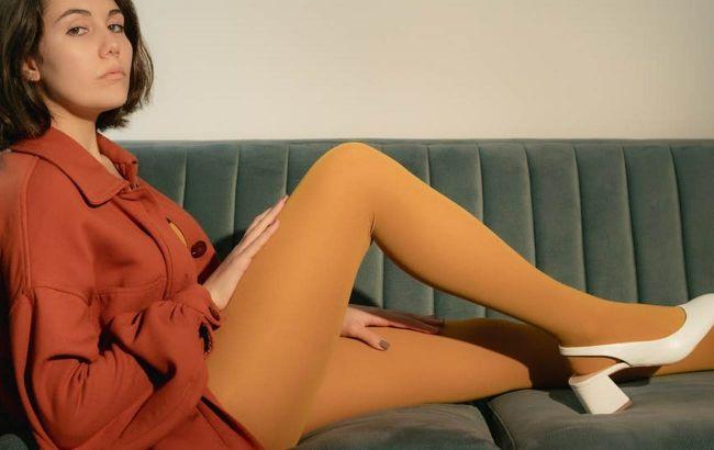 Что не так с телесными колготками: стилист рассказала, почему они - антитренд