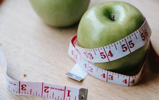 Причина одна: дієтолог розповіла, що робити, якщо при схудненні вага зупинилася