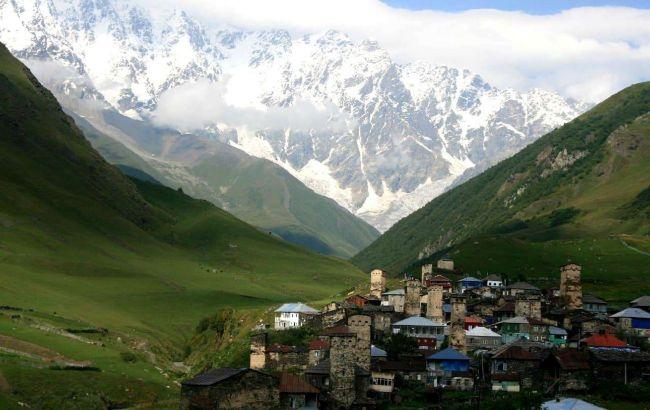 Гірськолижні курорти і море: популярна країна відкривається для туристів
