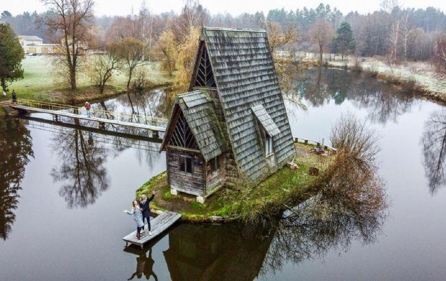 Казковий будинок на воді та підземна церква: кращі локації Львівщини, про яких мало знають туристи