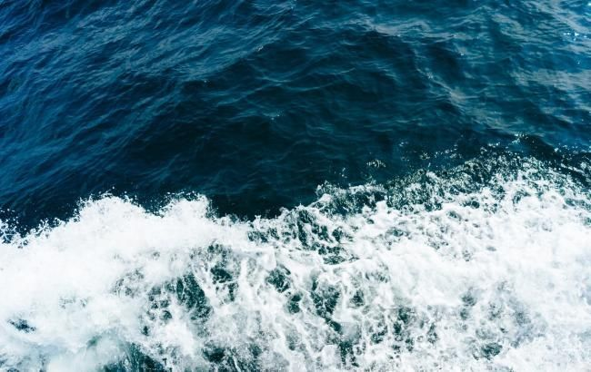 Фото: океан (unsplash.com/@chanracter)