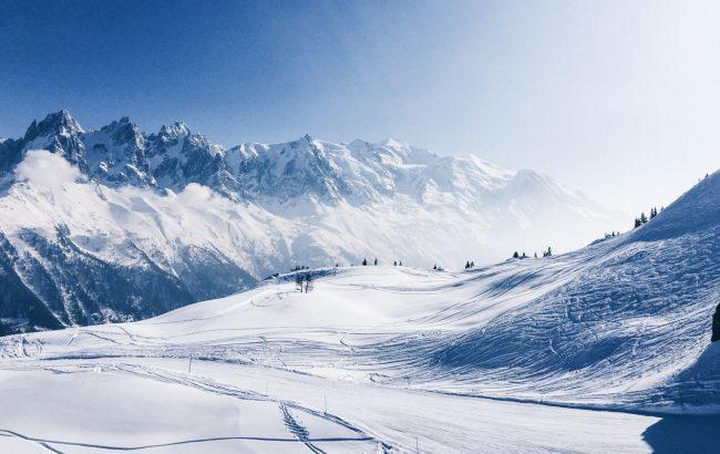 К заблокированному курорту в Альпах пустили поезда