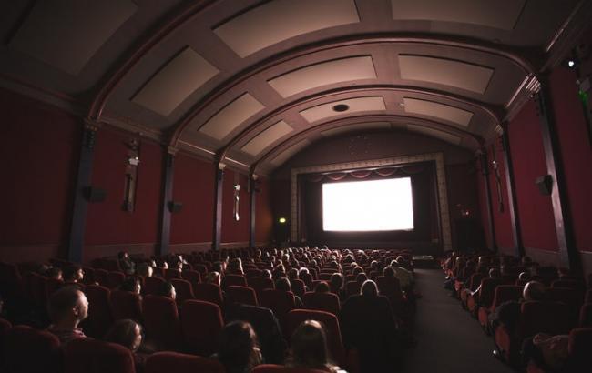 """""""Щоб купити квиток на фільм, потрібно купити квиток на електричку"""": стало відомо, скільки в Україні існує кінозалів"""