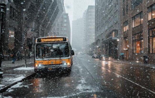 Снегопад вГреции парализовал движение транспорта